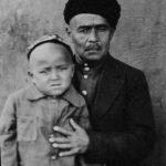 Отец с сыном Хуршедом.